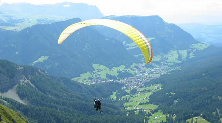 Hang gliding and paragliding in the Fiemme Valley